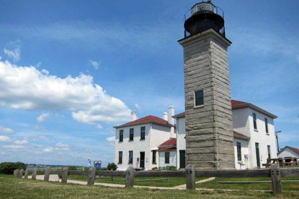 Beavertail-Lighthouse-Jamestown-RI_morgue-file