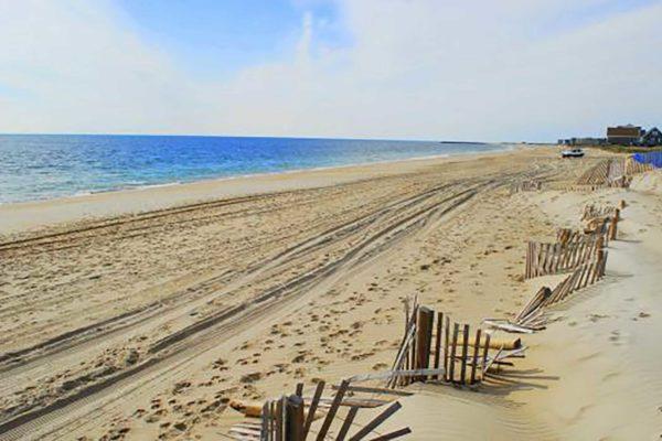 Charletwons-RI-Beach